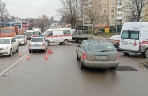 В Смоленске произошло лобовое столкновение кареты скорой и Оки