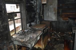 В Гагаринском районе в горящем доме пострадала женщина