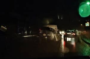 В Сети появилось видео серьезного ДТП на Московском шоссе