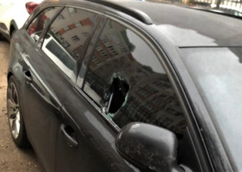 В Смоленске предполагаемый автовор попал в объектив камеры