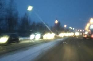 В Смоленске на выезде схлестнулись несколько машин