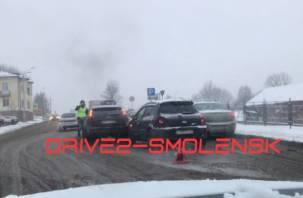 В Смоленске на Соболева пробка из-за ДТП