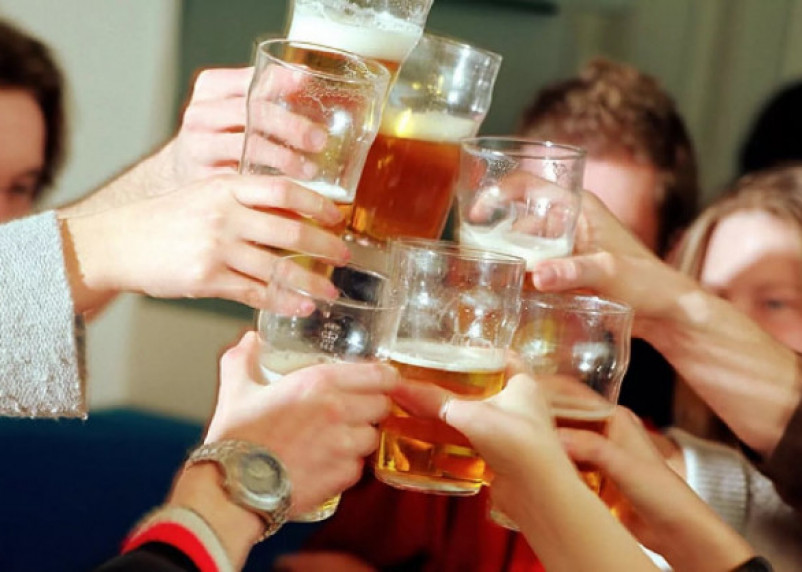 В РФ предложили запретить рекламу безалкогольного пива