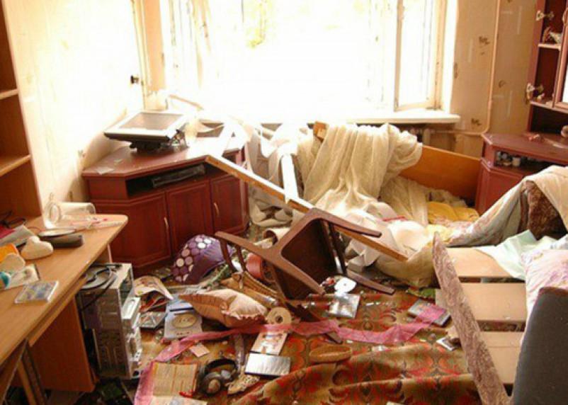Рославльчанин устроил в доме друга погром