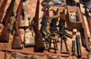 Смолянин устроил оружейную мастерскую
