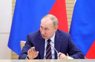 Путин занял второе место в рейтинге уважения