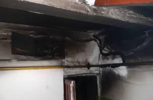 В Смоленске в пятиэтажке горела электрощитовая