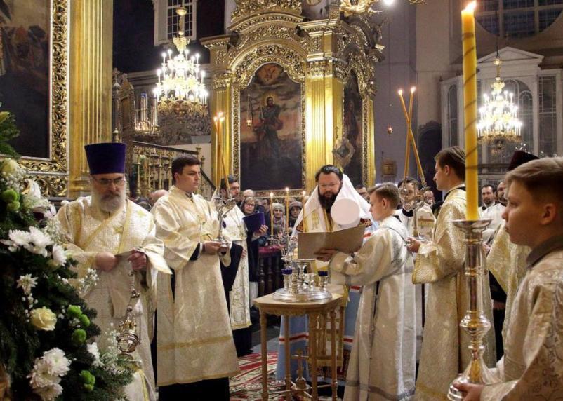 В главном храме Смоленска прошло Рождественское богослужение