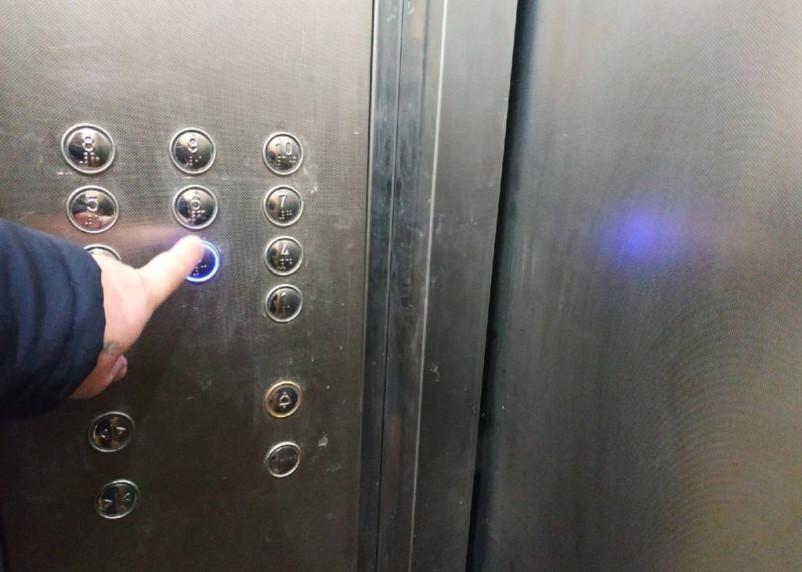 Правительство выделит средства на ускоренную замену более 1 тысячи лифтов