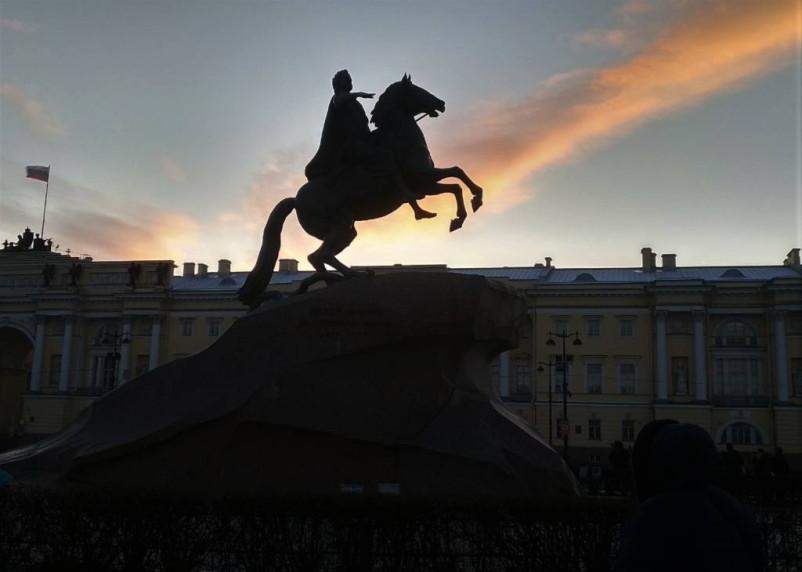 Санкт-Петербург продолжает бить рекорды по коронавирусу