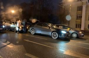 В МВД прокомментировали участие гаишника в «замесе» с пятью машинами