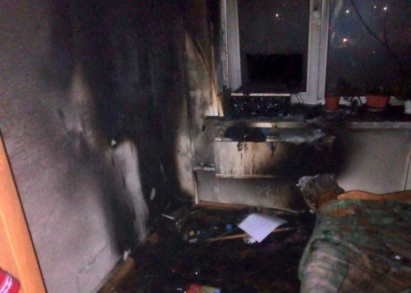 В Рославле запах дыма в подъезде разбудил жителей многоэтажки