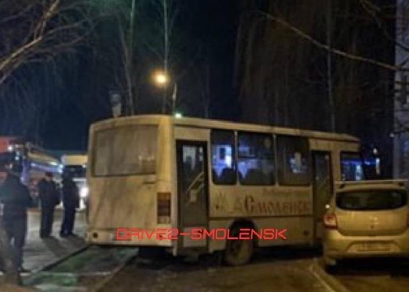 В Смоленске полиция ищет очевидцев аварии с автобусом, в которой погиб пешеход