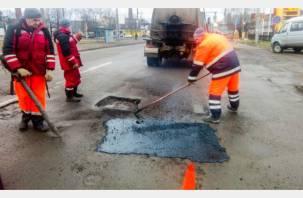 В Смоленске начали ямочный ремонт улиц
