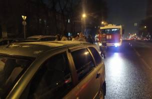 В Вязьме в ДТП с фургоном и легковушкой пострадал человек