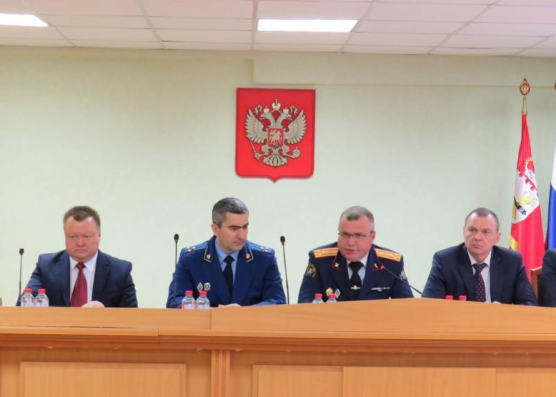 В Смоленской области возбудили более ста дел о коррупции
