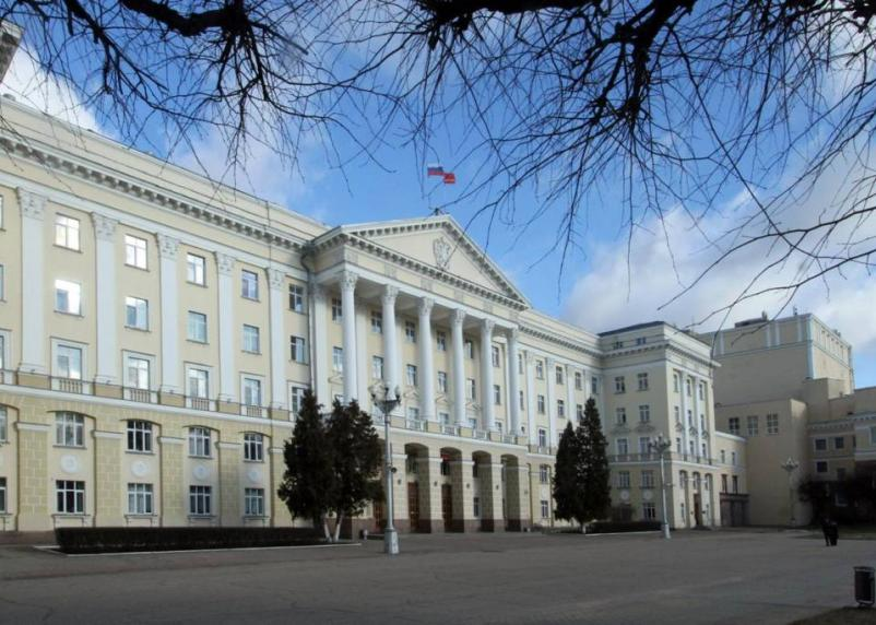 Смоленские власти приостановили прием граждан