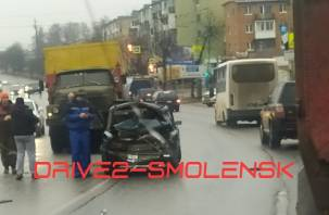 Водитель фуры «Магнита» устроил серьезную аварию на улице Шевченко