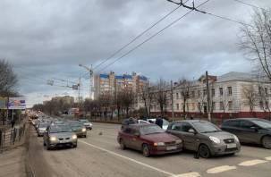 В Смоленске ДТП на Шевченко собрало большую пробку