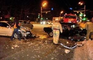 В Смоленском районе в жёстком ДТП с Грантой и Мерседесом пострадал человек