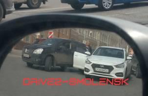 Авария в центре Смоленска спровоцировала огромную пробку