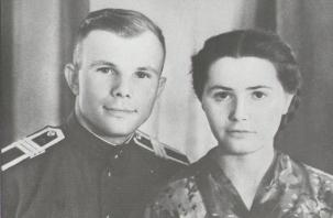 Редкое собрание фотографий Гагарина покажут в Смоленске