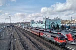 Через Смоленскую область остановили движение почти всех поездов