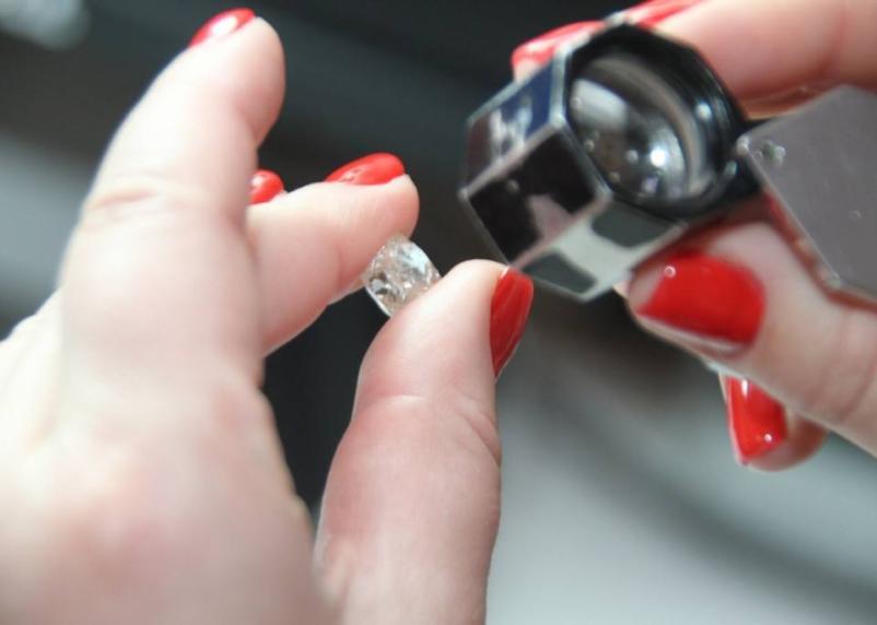 Гречка важнее бриллиантов: смоленский «Кристалл» переходит на трехдневку