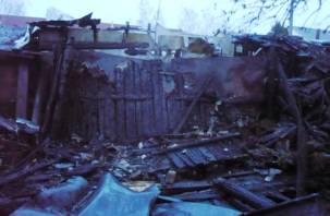Шесть сараев сгорело в Печерске
