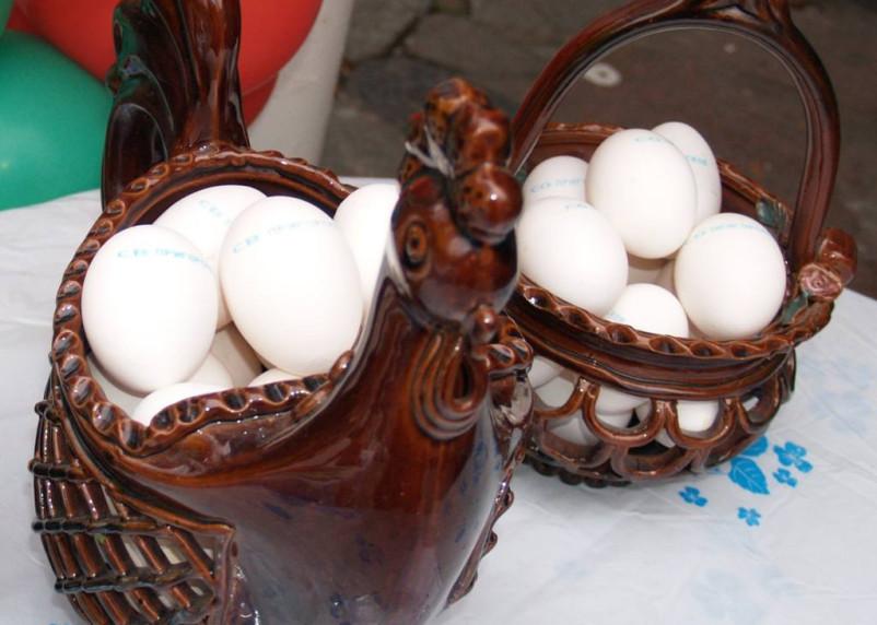 Куры и яйца продолжают дорожать. Как изменились цены на продукты в Смоленской области