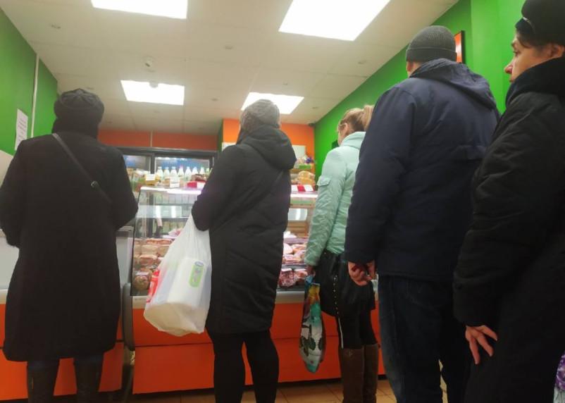 В Смоленске карманник украл у пенсионерки кошелёк в магазине