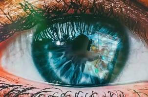Три «глазных» признака коронавируса назвали врачи