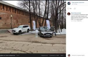 «Карту Курильских островов забыли!» В Смоленске устроили «патриотичную» выставку автомашин
