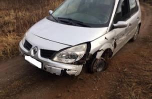 В Смоленском районе иномарка протаранила ограждение. Водитель госпитализирован