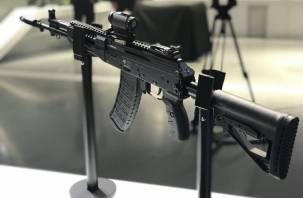 Смоленские мотострелки получили новый автомат Калашникова
