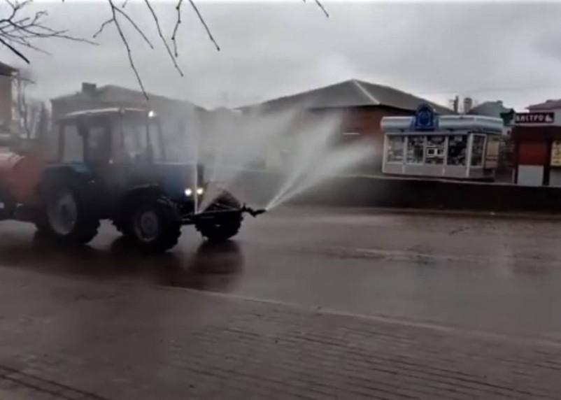 Дезинфекцию вяземских улиц сняли на видео