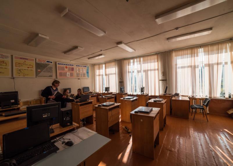 Школьные выпускные в России могут пройти в традиционном формате