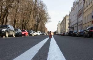 На смоленских улицах обновляют дорожную разметку