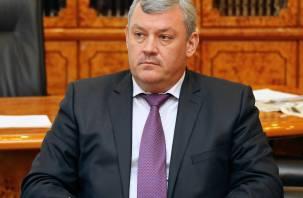 Глава Коми ушел в отставку. Ранее правительство покинул экс-мэр Смоленска