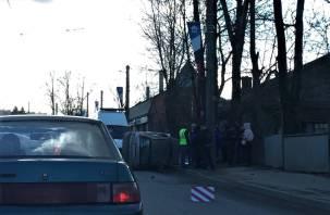 Оторвались колеса. Последствия серьезного ДТП на Дзержинского сняли на видео