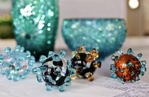 Коронавирус на память. Владимирский завод запустил спецвыпуск сувенирной продукции