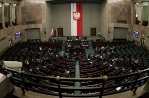 В Польше вводят общенациональный карантин из-за коронавируса
