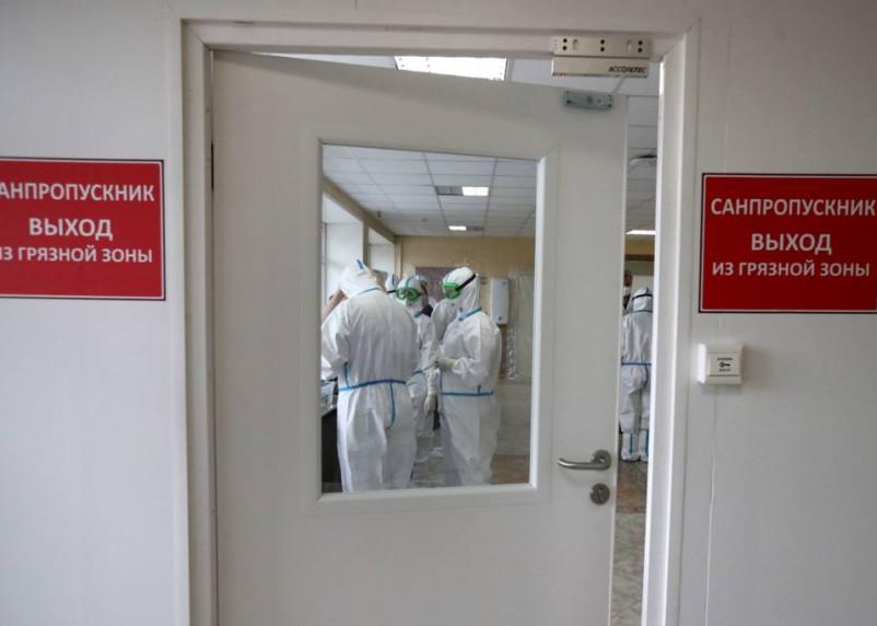 Число зараженных коронавирусом в Рославльском районе растет