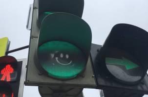 16 новых светофоров установили на трассе в Смоленской области