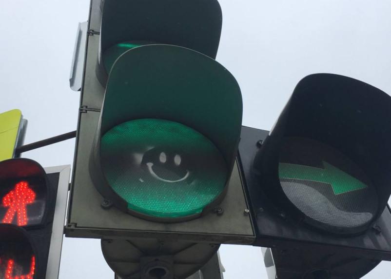 В Смоленске на день отключат светофоры на оживленном перекрестке