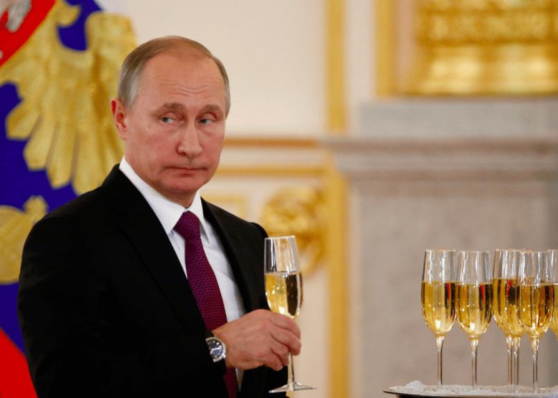 Путин объявил 1 июля днем голосования по поправкам в Конституцию
