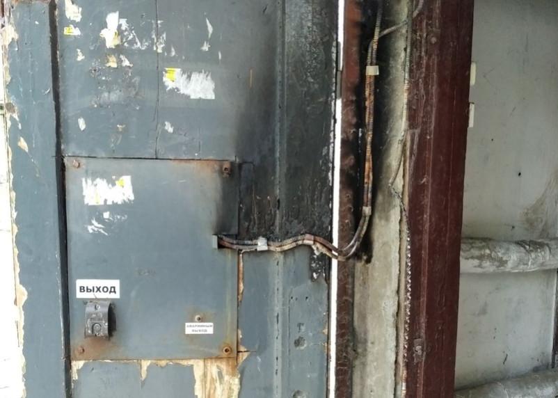 Домофонное оборудование загорелось в Смоленске