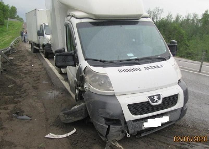 В столкновении двух авто в Смоленской области пострадали люди