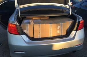 Москвич перевозил 5 тысяч пачек нелегальных сигарет