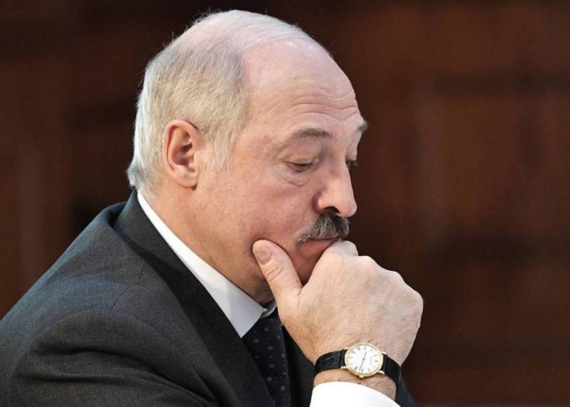 Лукашенко считает, что в Смоленск могут вторгнуться войска НАТО